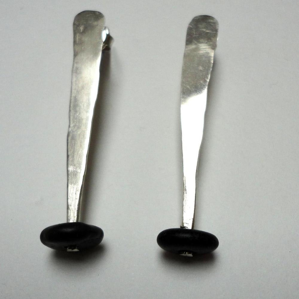 drop silver earings with black stones