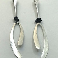 Silver drop earrings with black pebbles